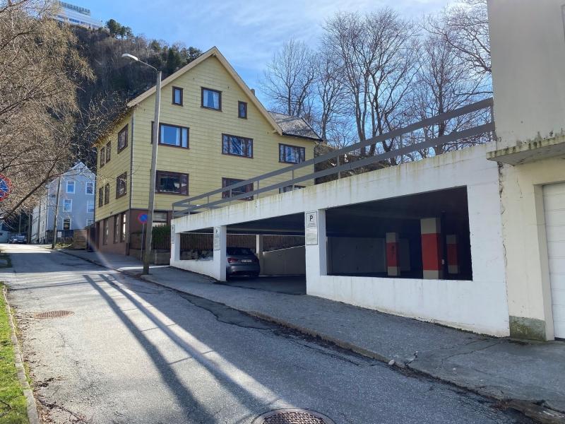 Einarvikgata 12